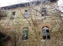 A 500 sq m old, stone built mill with 1120 sq m. Stunning locations and amazing views! 200 sq m from the river bank of Rositsa river.