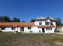 A spacious, renovated 4 bedrooms house, nicely set in the village of Stefan Stambolovo.